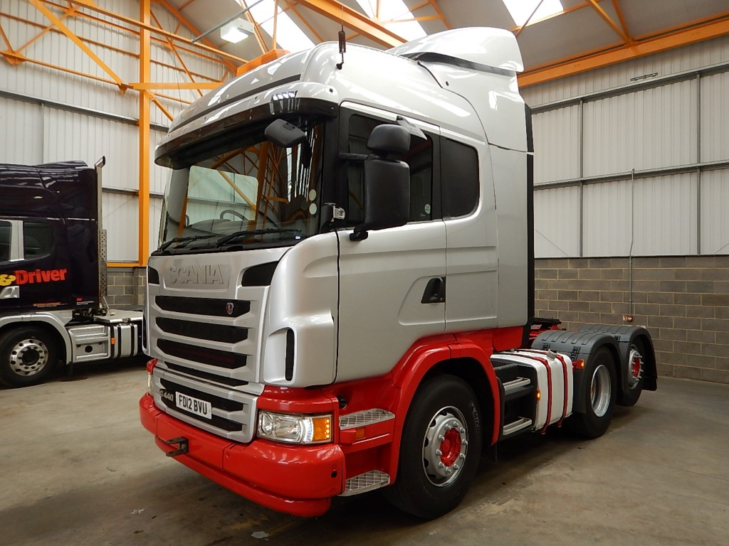 SCANIA G440 EURO 5 HIGHLINE 6 X 2 TAG AXLE TRACTOR UNIT - 2012